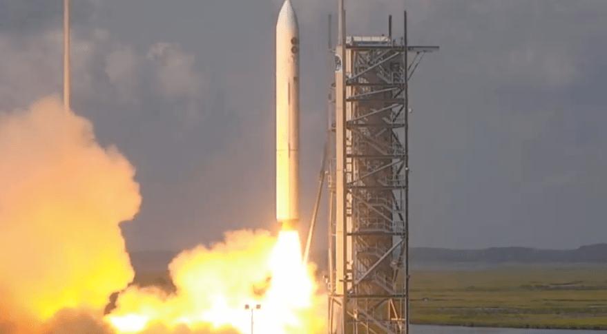 美退役洲际导弹执行航天发射任务,发射4颗秘密军事卫星