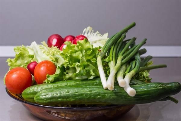 夏天来了,想大口吃西瓜又怕肚子着凉,怎么办?用什么水果替代?