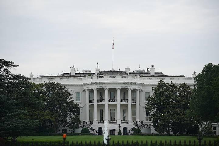"""白宫称正制定""""回到美洲""""计划,奖励美企从亚洲撤回生产设施"""