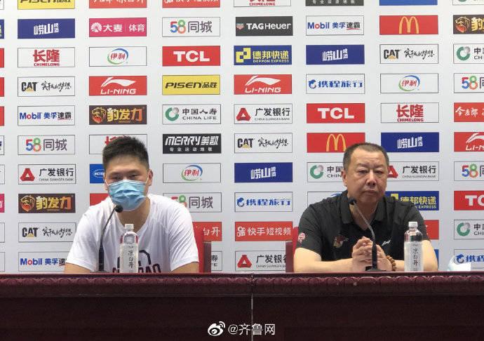 吴庆龙:对阵山东队员们顶住了压力