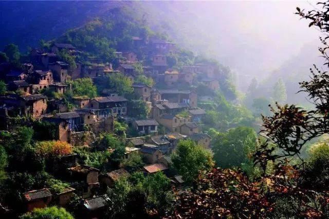 """太行深处有一""""小布达拉宫"""",整个村子没有基地,却屹立千年不倒!"""