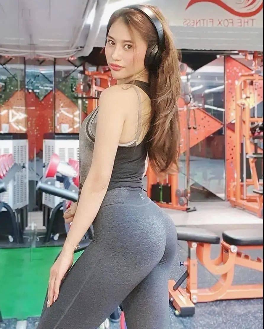 越南最美健身女神,一个深蹲火爆全网,女生这身材你喜欢吗?
