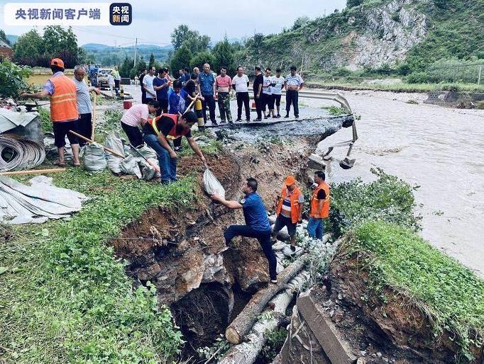 陕西商洛持续中到大雨!国道242水毁严重