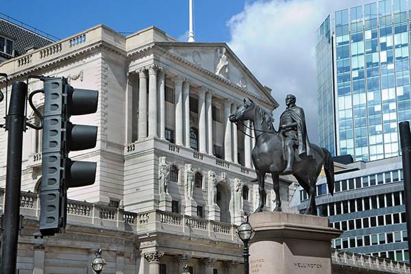 英国银行业遭受疫情和脱欧双重夹击,行业前景存巨大不确定性_中欧新闻_欧洲中文网