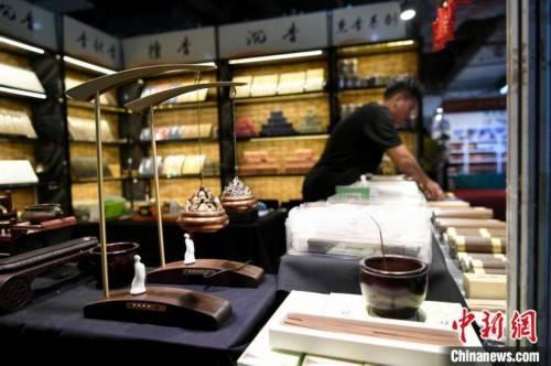 安源|探访2020成都收藏品艺术品红木沉香展