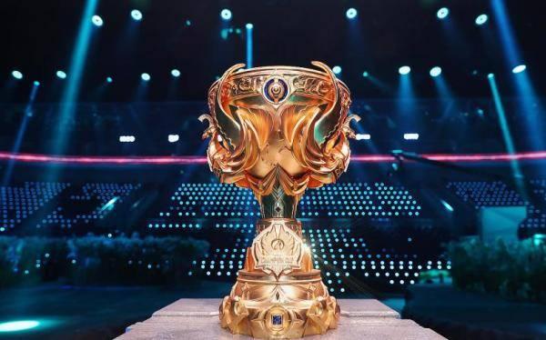 连扳四局完成大逆转,TS问鼎王者荣耀世界冠军杯