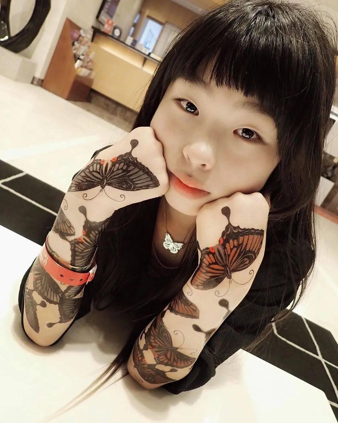太酷了!日本女孩6岁入行,是全世界最小纹身师…看完我却只想拥有同款爸爸!插图(19)