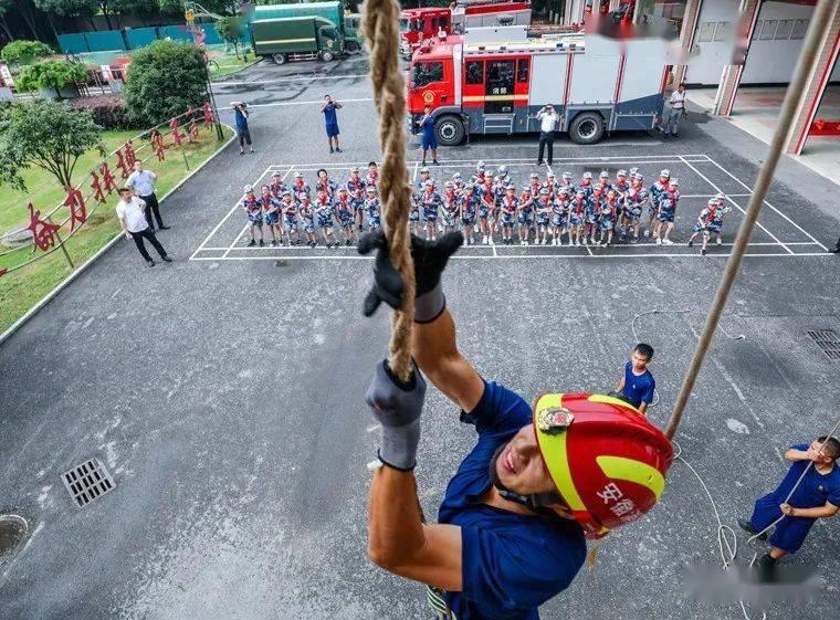 【未成年人】我是学校第一节课的消防员