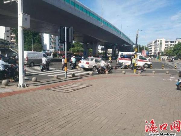 海口侨中路隧道发生车祸9人受伤