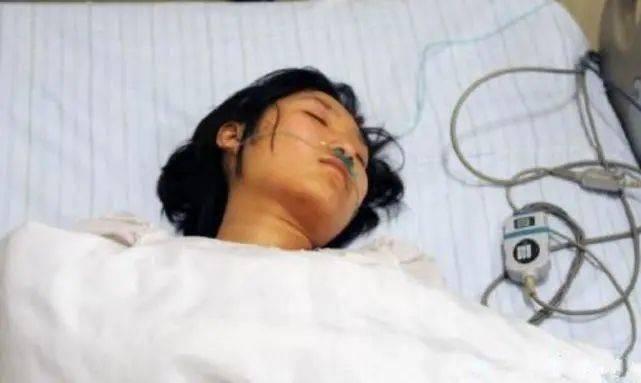 23岁女孩,昏迷不醒,多器官衰竭,医生遗憾 这样的女孩越来越多图片