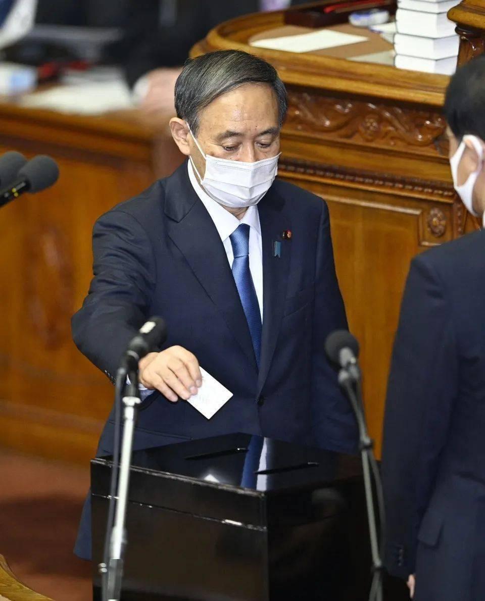 菅义伟当选第99任日本首相,安倍发告别视频:衷心感谢民众的支持