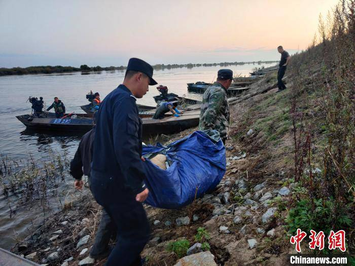大马哈鱼洄游繁殖 中俄两大界江全线进入禁渔期