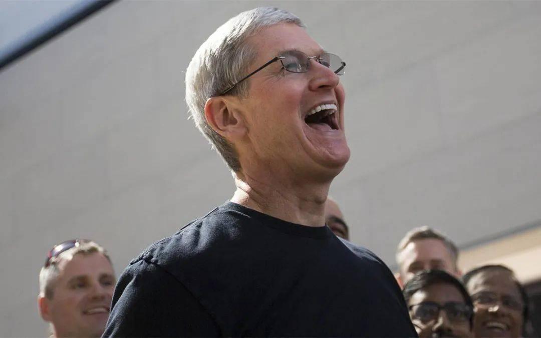"""苹果公司给库克发了一个超级""""大红包""""!"""