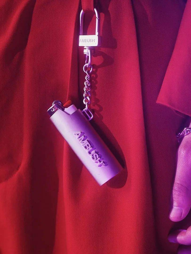 """从MMW的""""首秀""""预告,回顾潮流时尚圈那些经典有趣的""""挂锁""""设计。"""