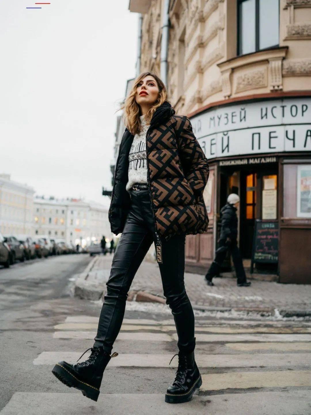 马丁靴+裙子,马丁靴+工装裤……又酷又撩,时髦炸了!     第59张