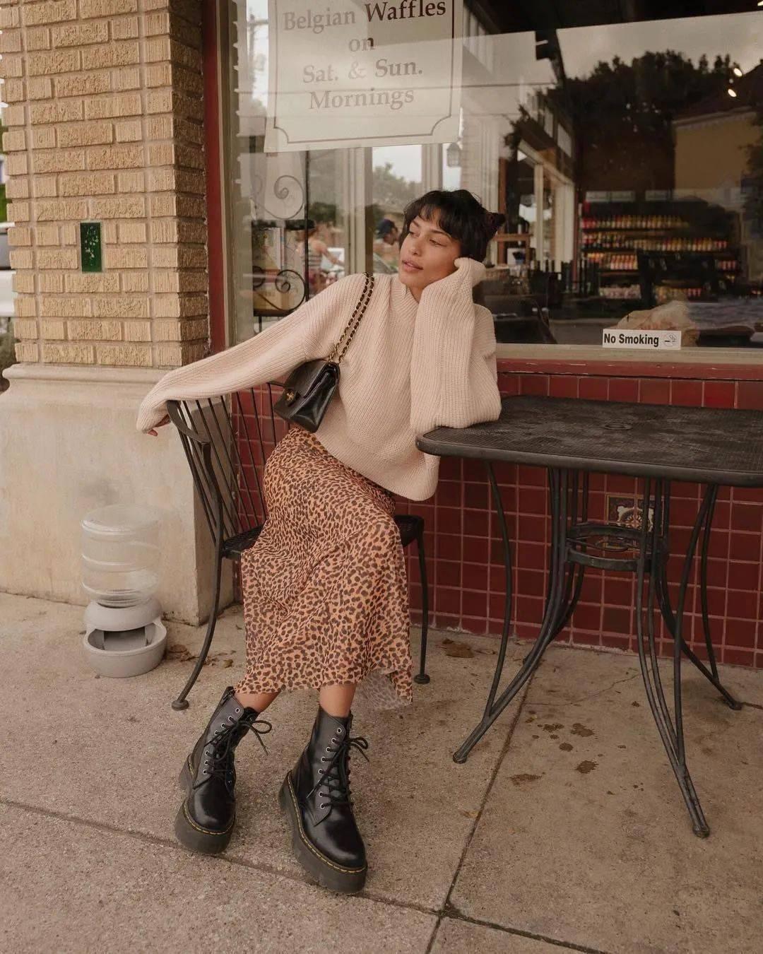 马丁靴+裙子,马丁靴+工装裤……又酷又撩,时髦炸了!     第63张