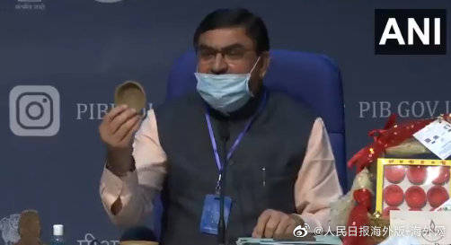 恒达官网印度推出牛粪芯片:减少手机辐射,还预防疾病