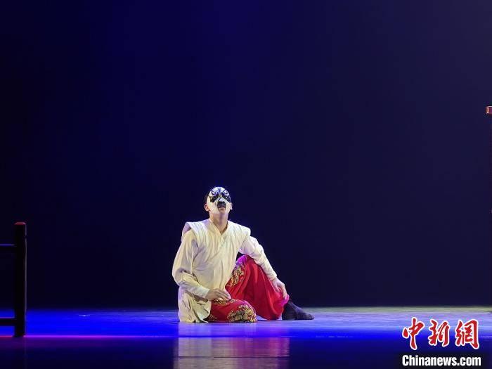 """中国舞协主席:""""荷花奖""""坚持专业性、权威性 宁缺毋滥"""