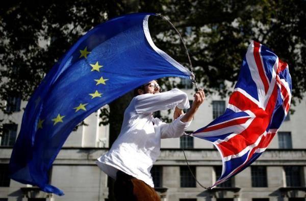 英政府敦促企业加紧准备无协议脱欧:时间不多了