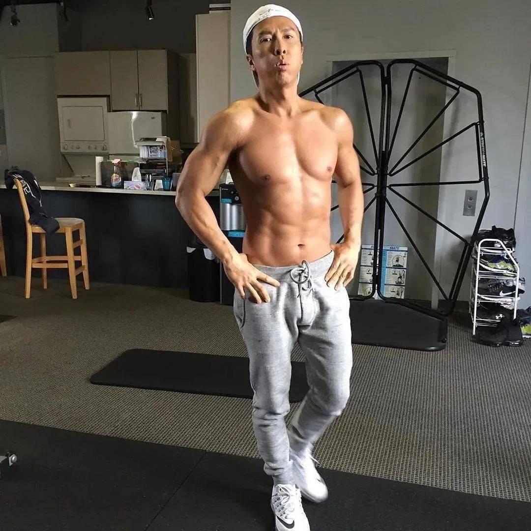 甄子丹,你这身材57岁?