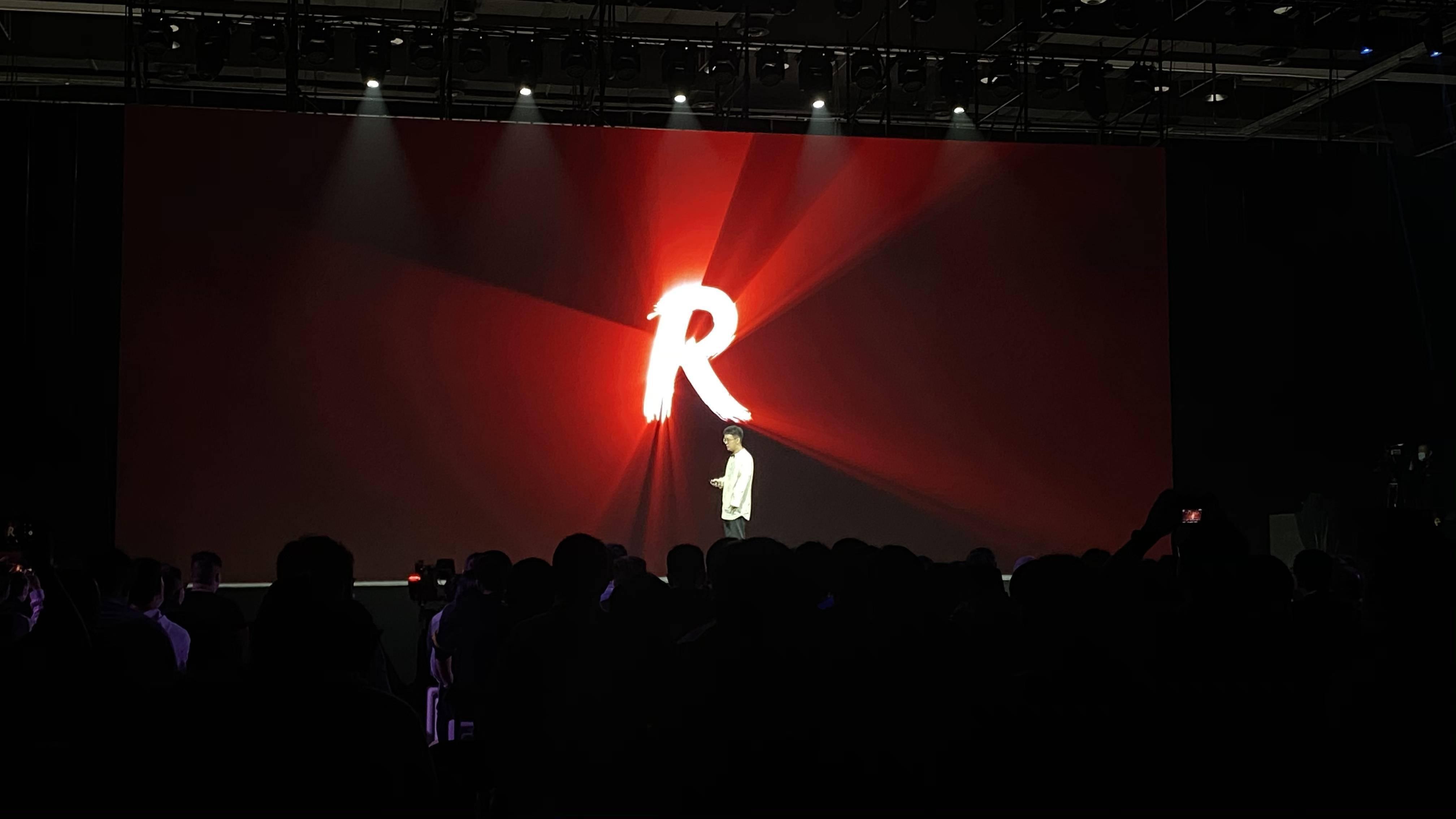 旗舰水准!坚果R2体验:硬件顶尖,软件依旧优秀
