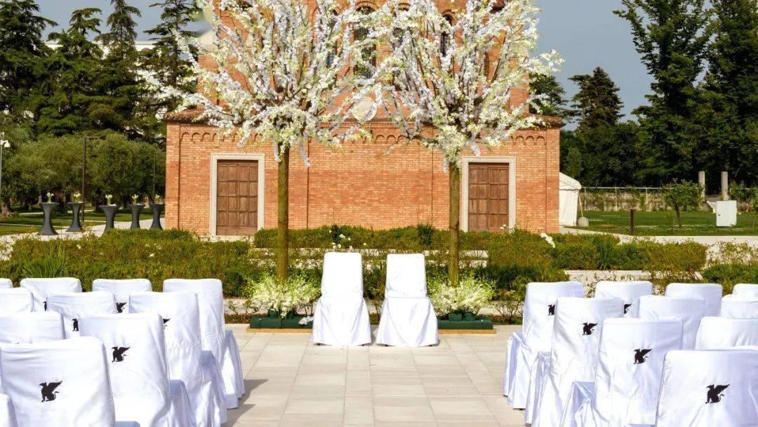 最美婚礼攻略:这些最美婚礼酒店居然藏在这里……