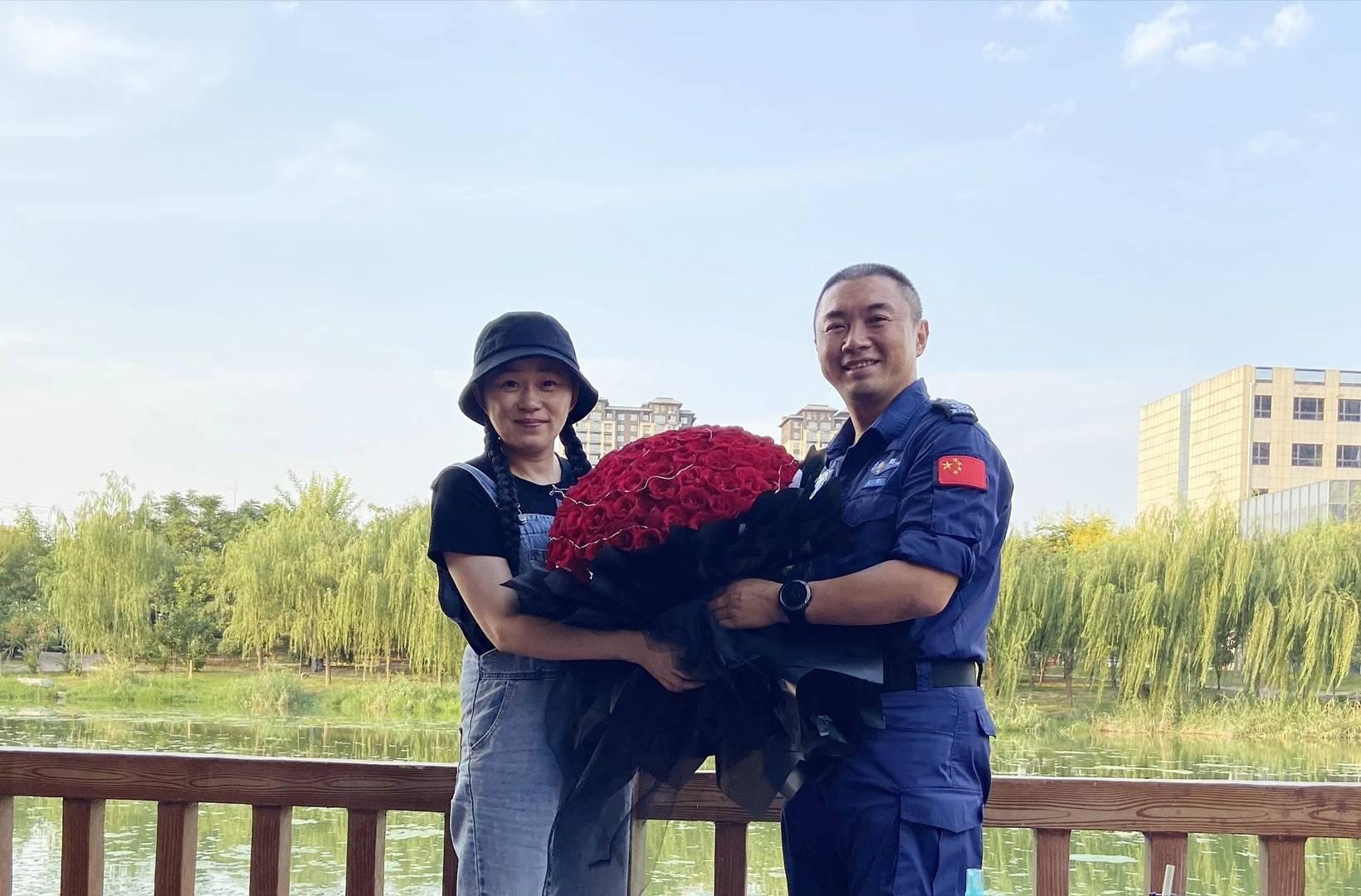 曙光救援队创办人:为救援事业卖两套房,妻子患癌却婉拒捐助