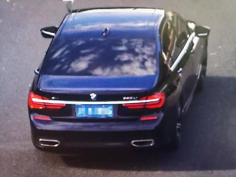 恒达注册男子单手开宝马车速超250,警方通报了(图10)
