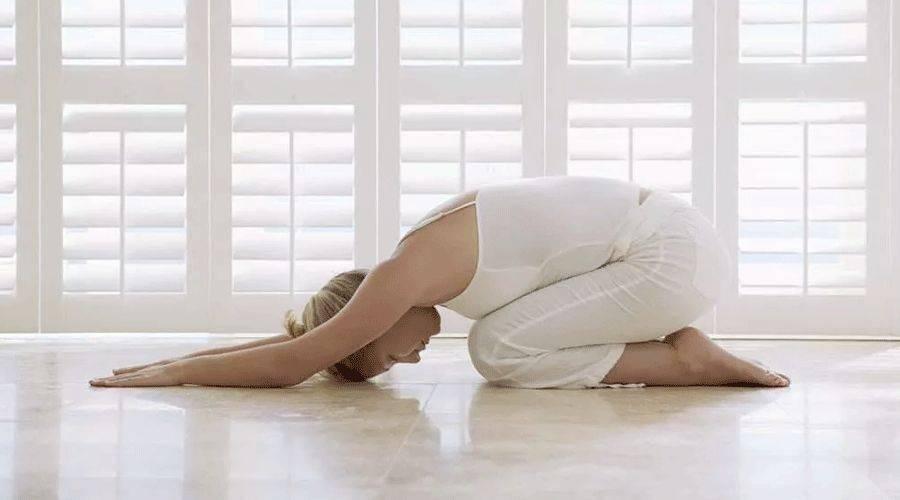 卧式瑜伽,懒人瑜伽的福音,不累效果竟然还不错!