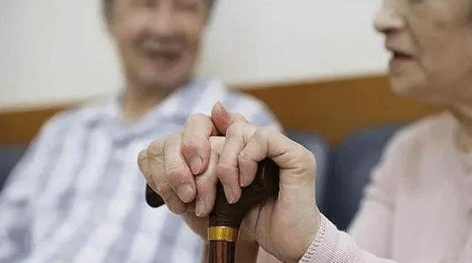 生育政策更包容,应对老龄化更主动