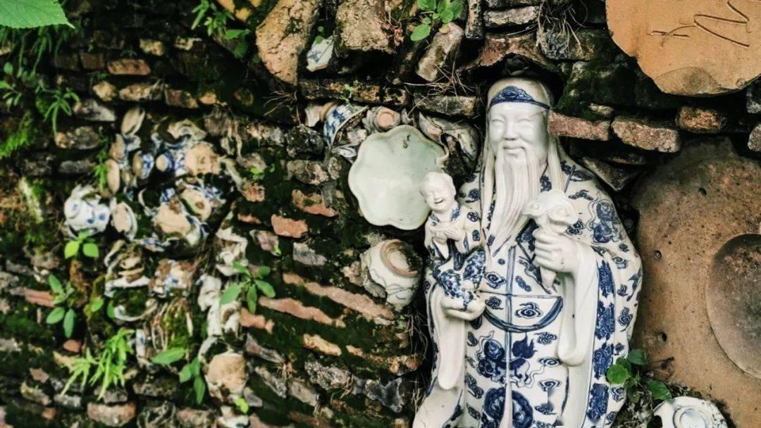 吃抖音爆火美食、游限定创意集市,江西这座闻名世界的宝藏小城,仍被低估了!
