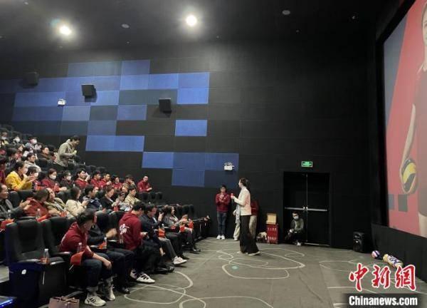 """中国女排运动员惠若琪与北京港生畅聊""""女排精神"""""""