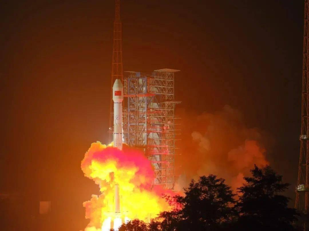 """什么是海事卫星电话_中国人自己的""""海事卫星""""成功发射!这4年他们是怎么过的 ..."""