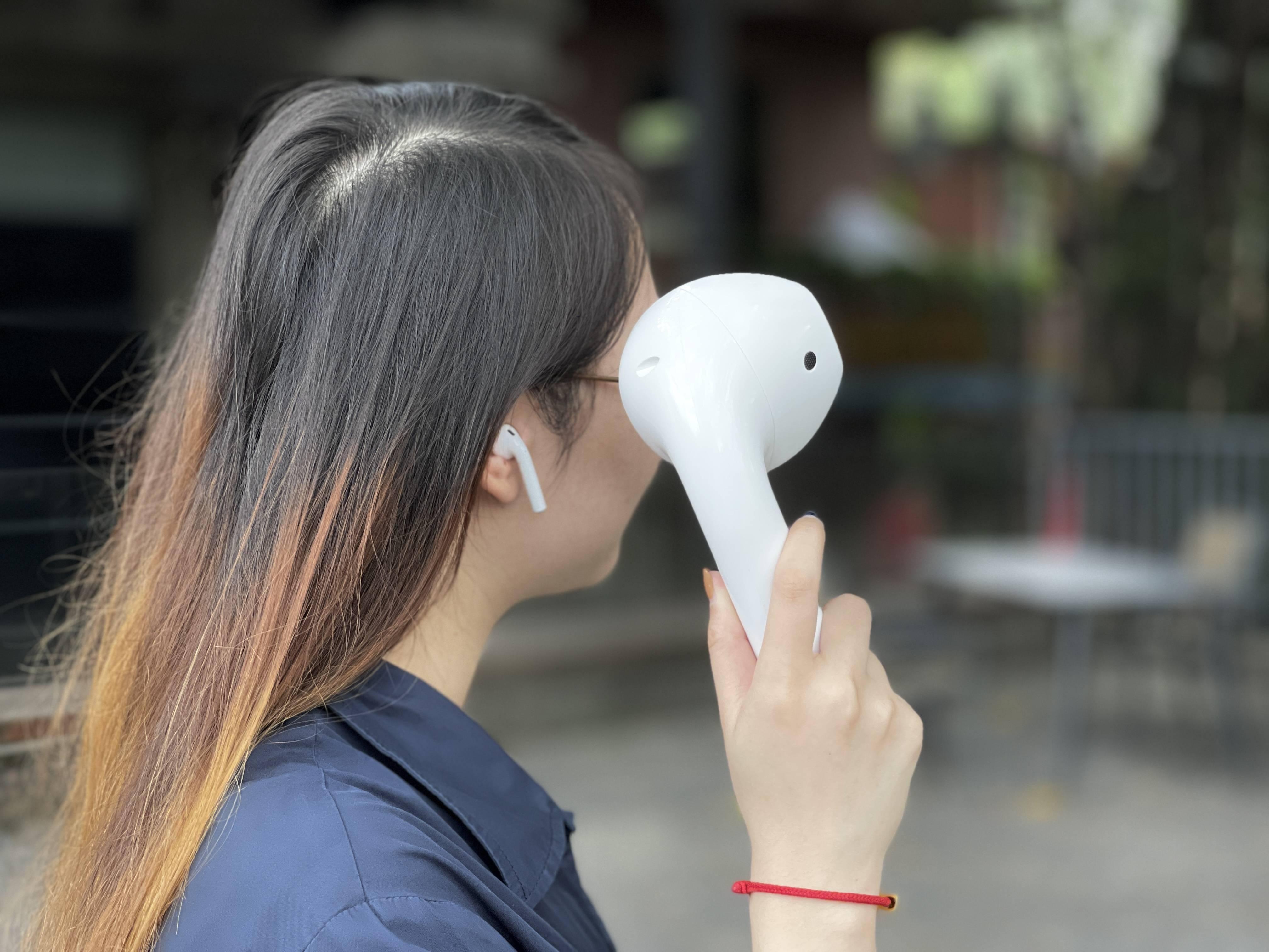 超大 AirPods、9 倍大纸牌、手机投影仪……这些产品不好用但很吸睛