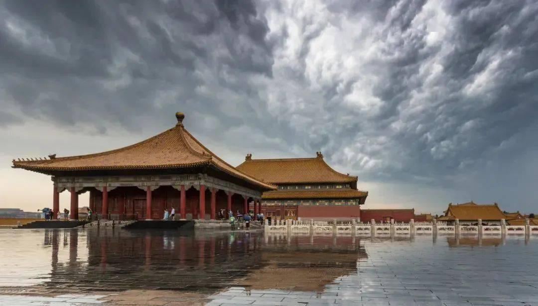 【图片漂流名人堂】张宇:雨中故宫