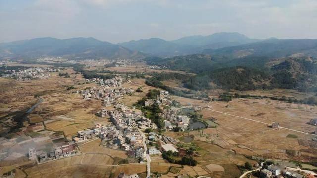 桂平石龙镇现在人口有多少_广西桂平石龙镇上黄村