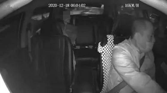 """自曝""""偷渡来深圳""""?男子乘车没戴口罩一路咳嗽,的哥果断报警"""