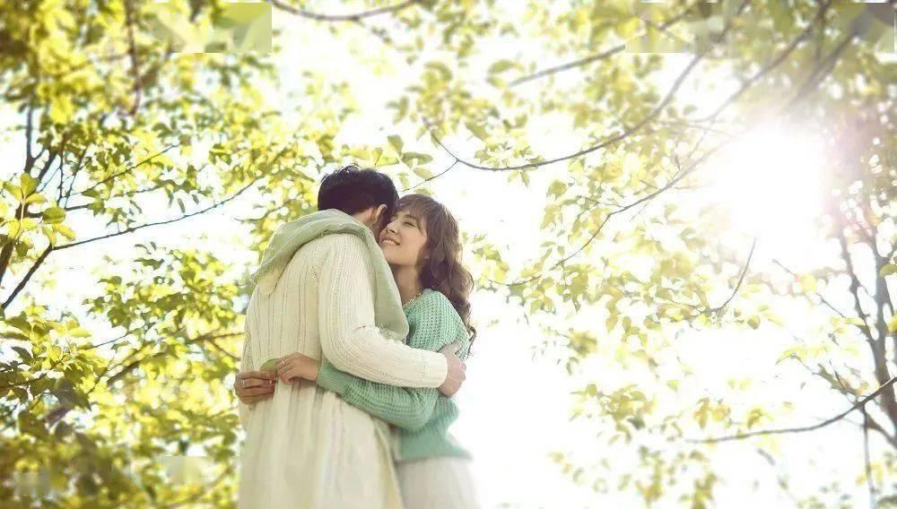一个人口口声声说结婚却_一个人的图片孤独图片