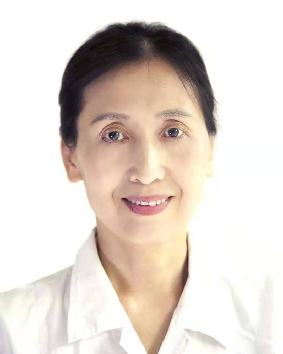 眼科专家邓艺方