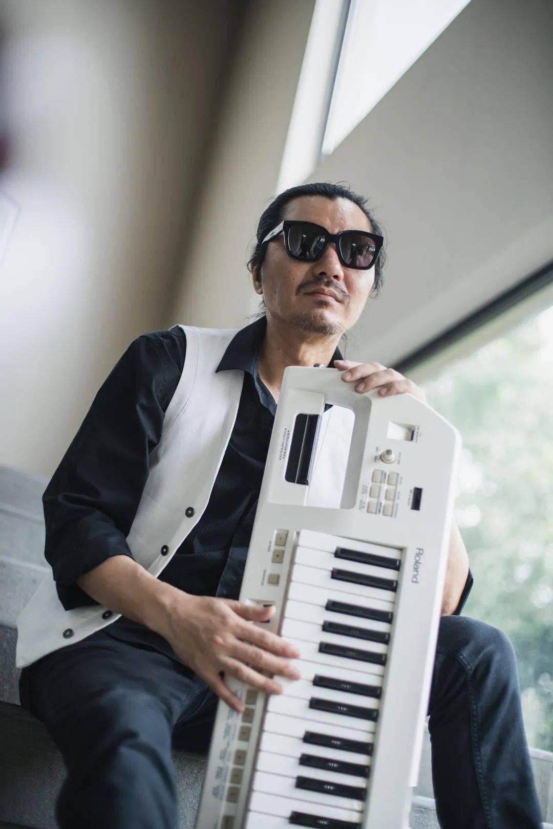 爵士钢琴家朱蟒《Flying 飞行》同名主打单曲MV上线!