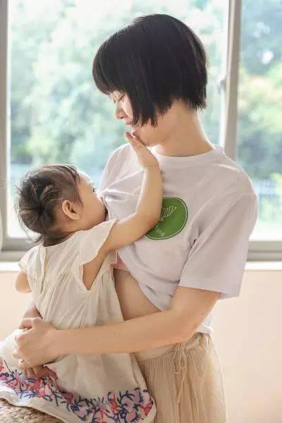 孩子一岁半还能继续母乳喂养吗?