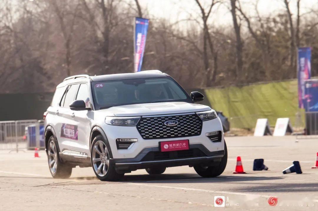 新款福特探索者比奥迪Q7和宝马X5大。开车怎么样?|黄家公考