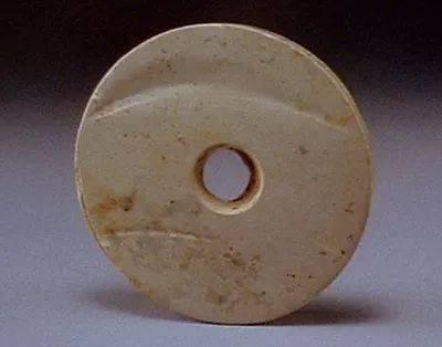 安徽含山凌家滩揭示中国玉璜文化的起源