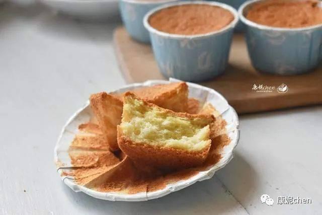 原来的蛋糕配方真的很好吃,柔软细腻,味道很棒。配料很简单,家人都很喜欢