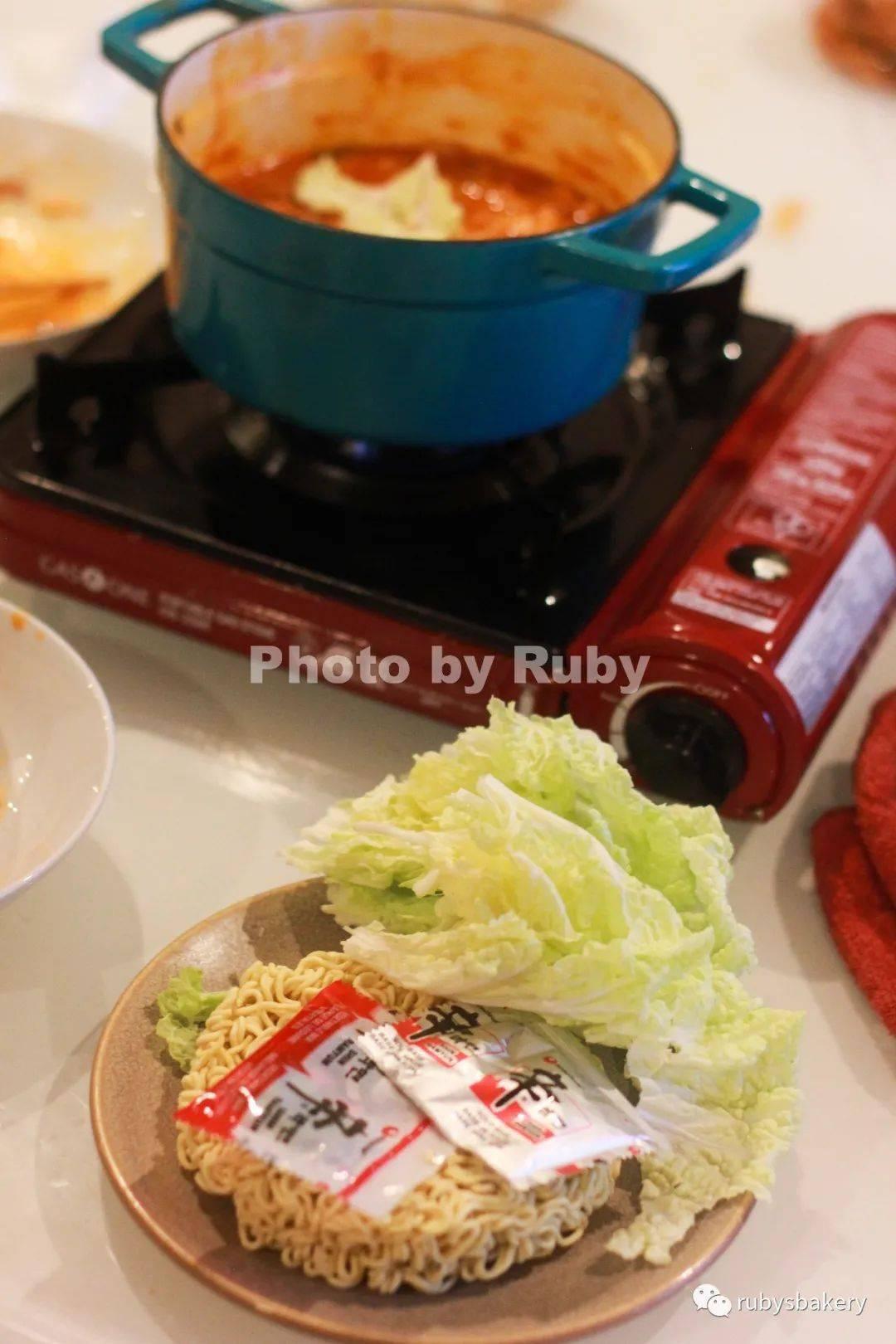 158.『Ruby美食』20分钟快手餐~韩式部队锅