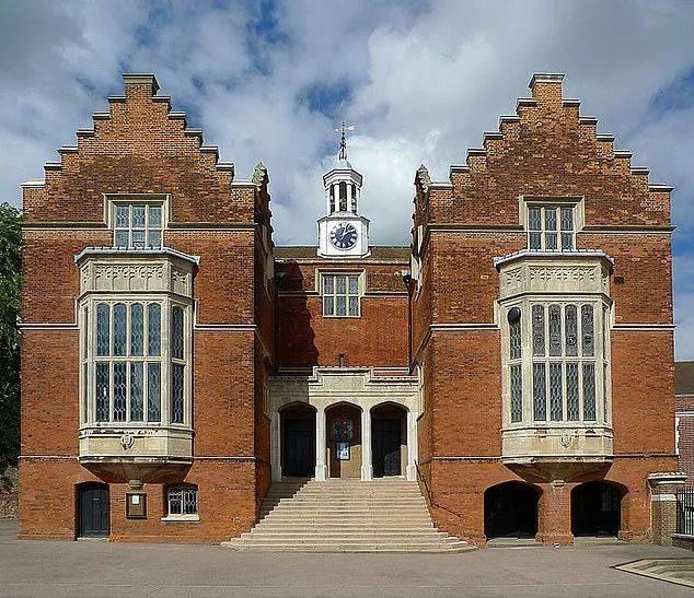 2021年度全英最佳公学名单出炉!最贵学校竟然是它