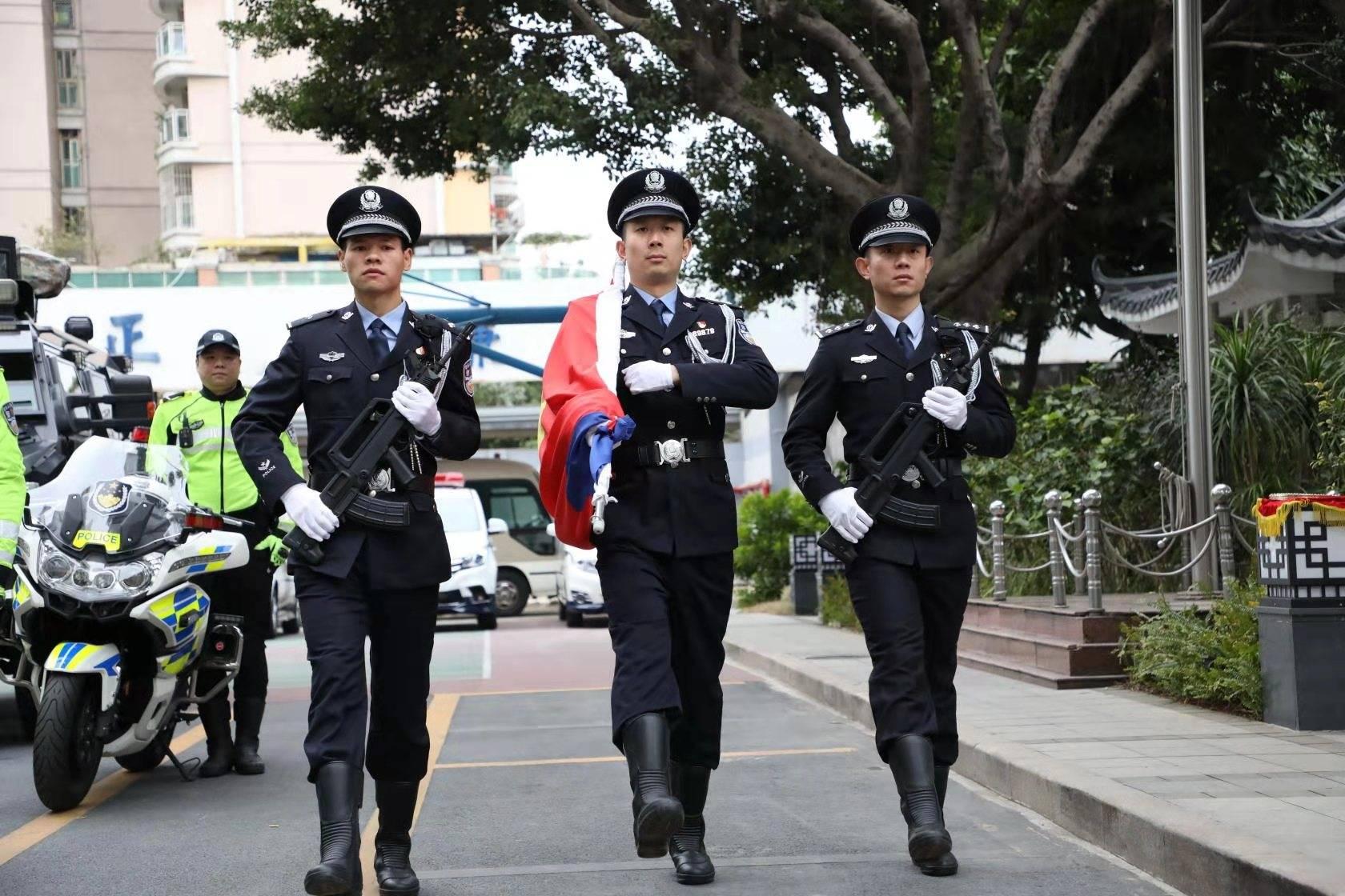 向警旗敬礼!禅城公安开展庆祝中国人民警察节系列活动
