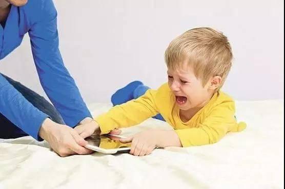 不懂敏感期,亲妈也懵圈!教育孩子必知的31个敏感期