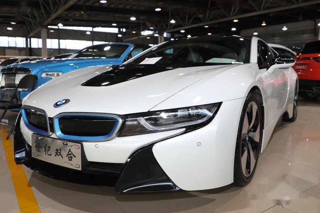 """宝马i8,""""科幻电影中的汽车""""在胡阿祥市场!"""