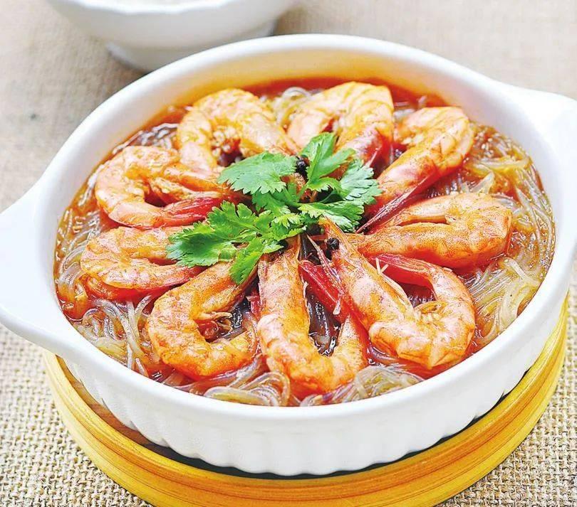 鲜虾和粉条这样做,我家一周至少吃3次,每次上桌都光盘,太下饭了